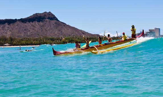 HI Waikiki beach boat.jpg