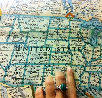 Map of USA pointing finger.jpg
