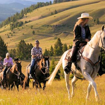montana-horseback-riders[1].jpg