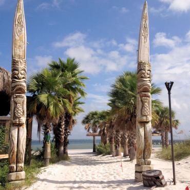 PNS beach entrance.jpg