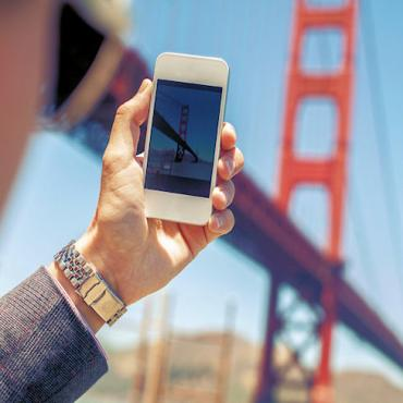 Golden Gate Bridge smartphone.jpg