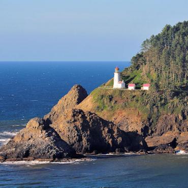 OR Heceta Head Lighthouse.jpg
