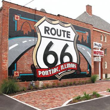 Rte 66 Pontiac mural.jpg