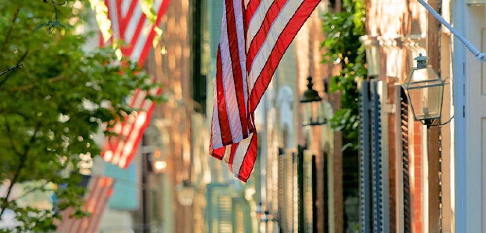 VA Alexandria_US Flag_along_King_Street_CREDIT_C_Davidson_for_VTC.jpg