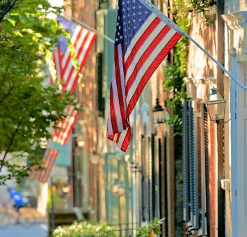 VA Alexandria_US Flag_along_King_Street_CREDIT_C_Davidson_for_VTC.jpg