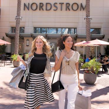 Shopping Irvine Spectrum - Nordstrom.jpg