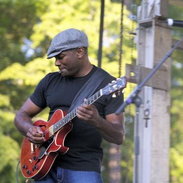 AL Birmingham guitar player.jpg