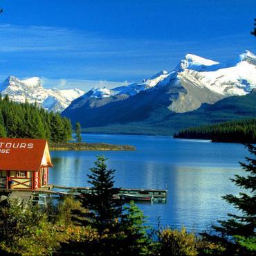 AL Jasper Maligne_Lake,_[1]