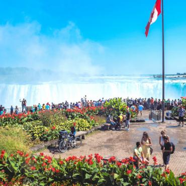 CAN niagara-falls-view-from-elementz-restaurant