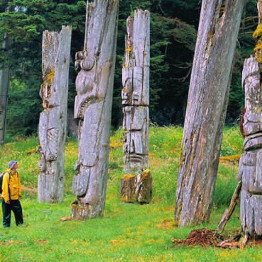 BC -totems-Haida-Gwaii
