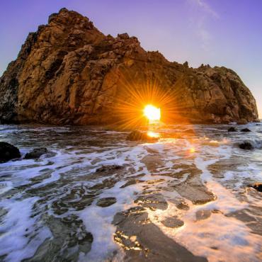 Amazing_Scene_of_Pfeiffer_Beach_Stone_Sunset_in_California_USA_Wallpapers[1]