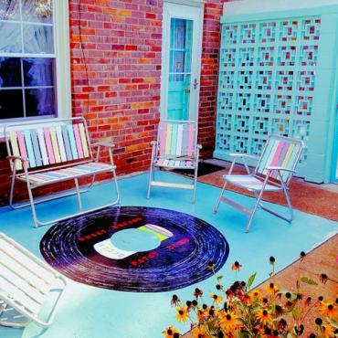 Patsy Cline patio