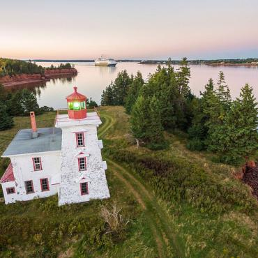 PEI Rocky Point Lighthouse Credit ©Tourism PEI Sean Landsman