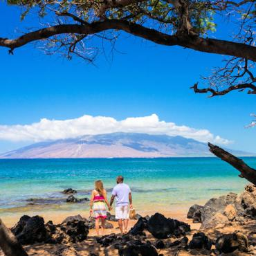 Hawaii Maui beach couple Credit Hawaii Toruism Authority Tor Johnson