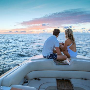 FL Naples couple at sea