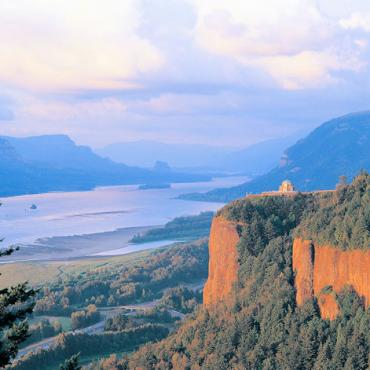 OR Columbia River Gorge-Photo by Larry Geddis