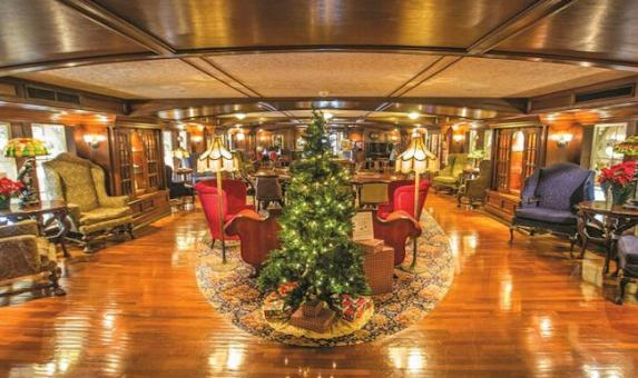 Christmas Cruises.Christmas Cruises On The American Queen With Bon Voyage