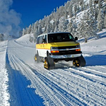 WY Yosemite Snow Coach4