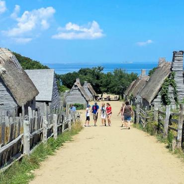 Houses_of_the_Plimoth_Plantation_at_Plymouth,_Massachusetts[1]