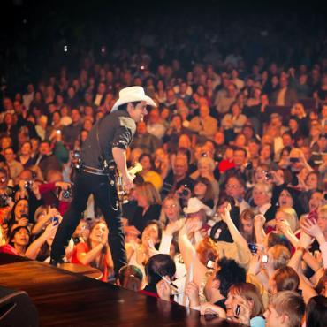 BNA Grand Ole Opry - Brad Paisley