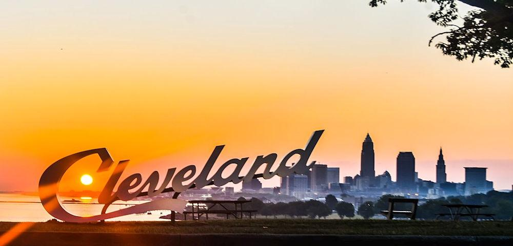 1024px-Cleveland_Sign_at_Edgewater_Park_(27624106630)[1]