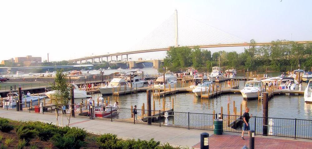 Toledo,_Ohio Marina