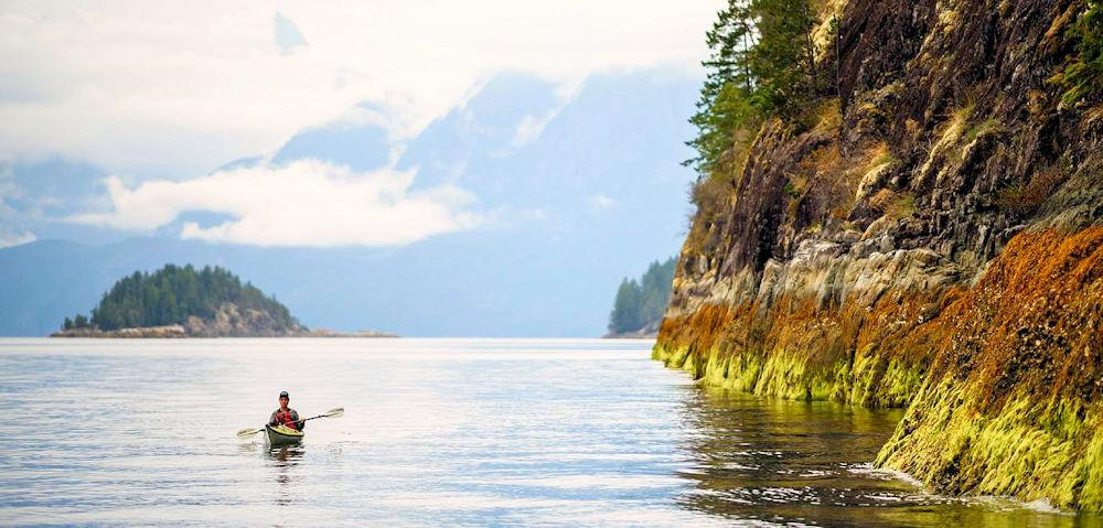 Kayaking-in-Desolation-Sound-Sunshine-Coast-Photo-Destination-BC-Andrew-Strain[1]