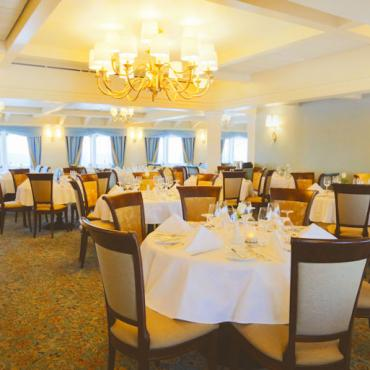 Victory Cruises Shearwater dining room
