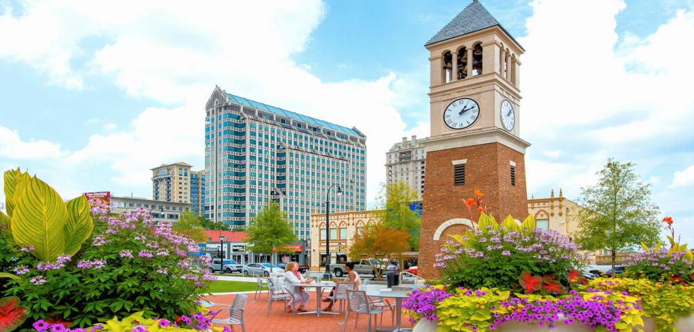 AtlantaLoudermilkParkClockTower Credit James Duckworth Courtesy of ACVB and AtlantaPhotos.com
