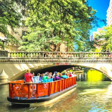 TX SATRiver-Boat-Tour photo Courtesy of VisitSanAntonio