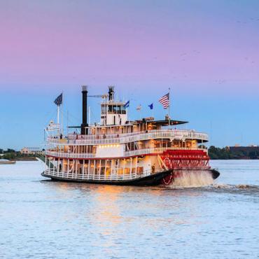 Mississippi Paddle Steamer web