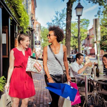 Shopping_King_Street_CREDIT_K_Summerer_for_Visit_Alexandria