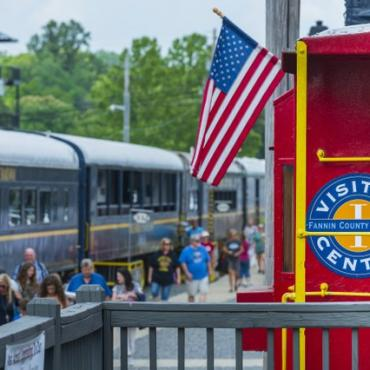 Blue Ridge Mountains Train - Georgia GEOFFLJOHNSON