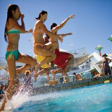 Kids at pool jumping NCL