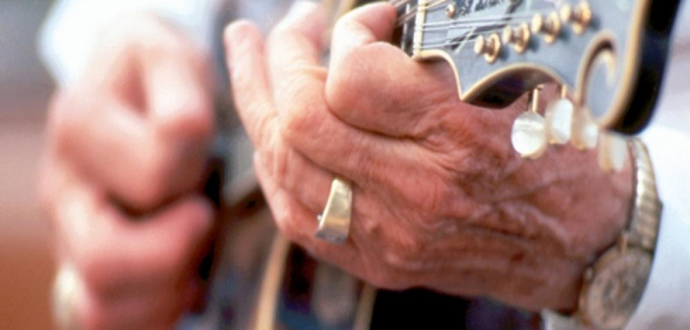 Musicians hands KY