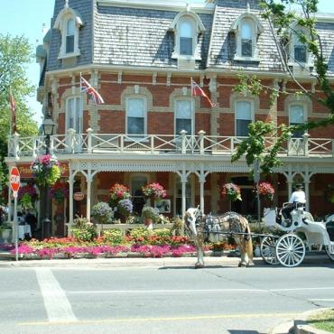 Niagara on the Lake street scene