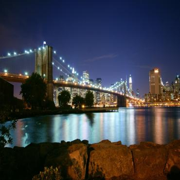 Brooklyn_Bridge_at_Dusk