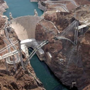 Hoover dam bridge construction