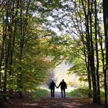 couple-nature-walk