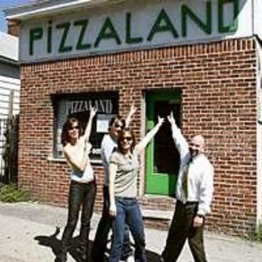 NYC Sopranos_pizzaland