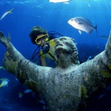 Fl Key Largo John Pennekamp Statue