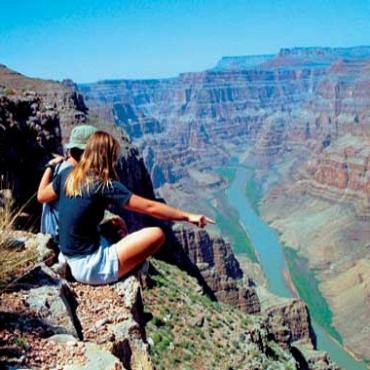 AZ grand-canyon-couple view