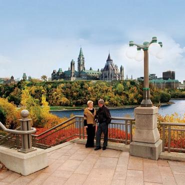 Ottawa-Fall-BridgeLookout_lrg[1]