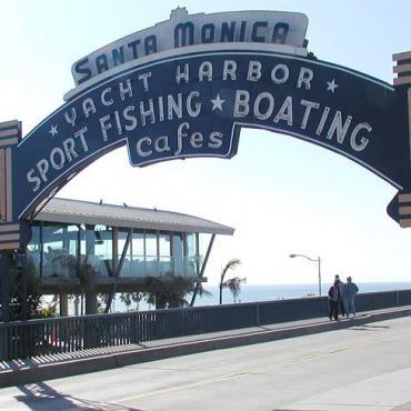 Rte 66 Santa_Monica Pier sign[1].jpg