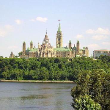 Quebec Parliemant Hill.jpg