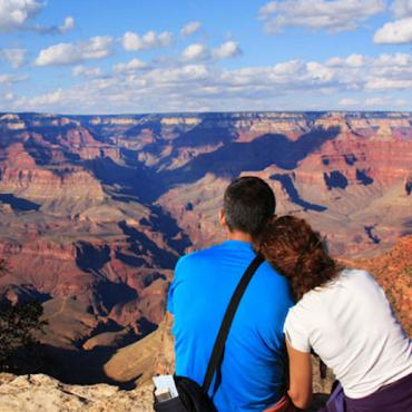 AZ Grand canyon couple.jpg