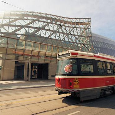 Toronto museum & tram.JPG