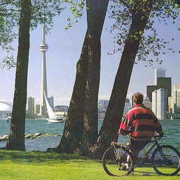 Toronto view of CN Tower.jpg