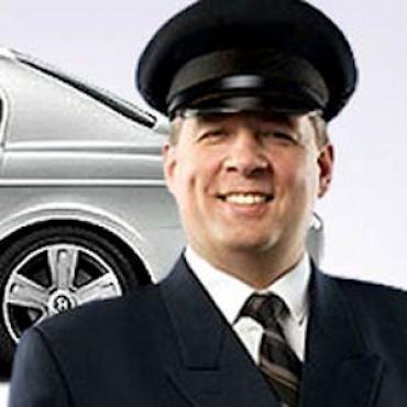 Chauffeur (2).jpg