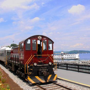 Lake Winni railroad.jpg